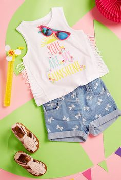 vêtements pour bébés (filles) Cute Boy Outfits, Toddler Girl Outfits, Toddler Fashion, Kids Outfits, Kids Fashion Photography, Clothing Photography, Baby Gallery, Shirt Print Design, Zara Kids