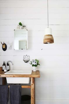 Bathroom - shiplap