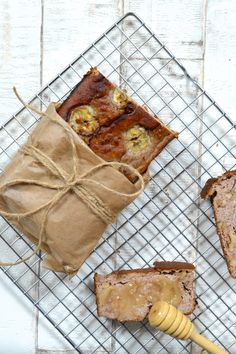paleo banana bread (banana, no added sugar)