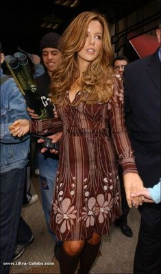 kate beckinsale best outfits - Page 78 of 101 - Celebrity Style and Fashion Trends Kate Beckinsale Hair, Kate Beckinsale Pictures, Beautiful Celebrities, Beautiful Actresses, Most Beautiful Women, Kate Hudson, British Costume, Pin On, Pearl Harbor