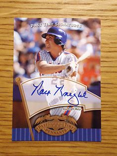 Ray Knight: (1984-1986 New York Mets) 2005 Upper Deck Past time Pennants certified autograph baseball card signed in blue sharpie. (From my All-Time Mets Roster collection.)