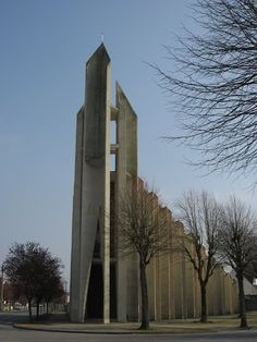 """Church """"Saint-Crépin"""" in Soissons, France, by Guillaume Gillet Sacred Architecture, Church Architecture, Modern Architecture, Modern Church, Oise, Church Building, France, Brutalist, Kirchen"""