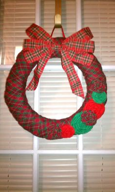 Plaid wreath, sweet and simple.