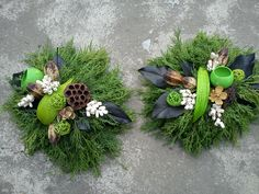 New Year's Crafts, Wood Crafts, Flower Factory, Garden Fountains, Funeral Flowers, Christmas And New Year, Succulents, Christmas Decorations, Wreaths