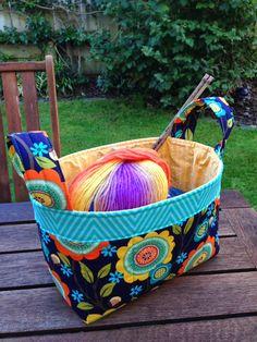 One Hour Baskets (Wendys Bettdecken und mehr) - Diy Stoffkorb Quilting Tutorials, Quilting Projects, Sewing Tutorials, Sewing Patterns, Bag Patterns, Bag Tutorials, Small Sewing Projects, Sewing Hacks, Fabric Crafts