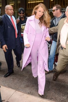 Blake Lively's Cushnie et Ochs pants suit. See 6 other celebrities whose spring outfits killed it.