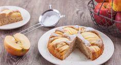 Omas Apfelkuchen-Rezept in einer gesünderen Variante: Dieser versunkene Apfelkuchen ist fettarm, kalorienarm, zuckerarm und mit Dinkelmehl. So lecker!