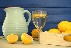 Dlaczego warto zaczynać dzień od szklanki wody z cytryną?