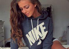Women NIKE Hooded Top Sweater Pullover Sweatshirt Hoodie