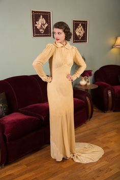 Vintage 1930s Dress - Decadent Champagne Rayon Velvet 30s Bias Cut Bridal Gown with Puffed Shoulders and Slim Train