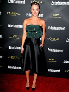 Star Tracks: Monday, August 25, 2014 | SHE BANGS | Lookin' good, Mrs. Sweeting! Kaley Cuoco's red carpet number would make her The Big Bang Theory alter ego proud at Saturday's Entertainment Weekly pre-Emmy party in West Hollywood.