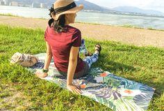 【楽天市場】ヨガマット WAIKIKI COLLECTION SPOUT ヨガ 1.5mm 62023 ピクチャーヨガマット 天然ゴム マイクロファイバー ホットヨガ ヨガラグ ヨガタオル ピラティス yoga HONEY 天然素材 フィットネス サップヨガ ジム ラグ インテリア 【ギフト】【ラッピング対応】:Luana Terrace