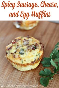 Spicy Sausage, Egg and Cheese Muffins are a healthy, carb-free grab and go breakfast recipe! #healthy #recipes