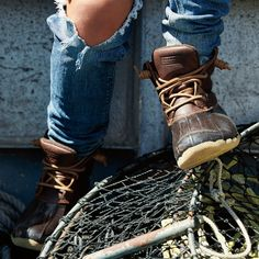 Reboot your fall look in the Saltwater.  Featuring a water-proof upper, rawhide laces for a secure fit, and Sperry Wave-Siping for wet/dry traction, this season's It-Boot is prepared for whatever adventure comes your way.