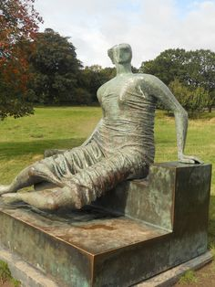 Draped Seated Woman- Henry Moore