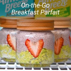 There's nothing like a little green kick to start your mornings. Matcha and strawberries in a parfait sounds like a dream come true. Breakfast Pie, Breakfast For Dinner, Breakfast Parfait, Breakfast Recipes, Oats Recipes, Raw Vegan Recipes, Paleo, Strawberry Parfait, Banana Nut Muffins
