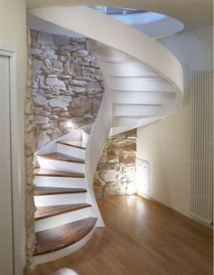 interior spiral staircase design with stone backwall Spiral Stairs Design, Staircase Design, Attic Renovation, Attic Remodel, Under Staircase Ideas, Escalier Design, Wooden Steps, Modern Stairs, Interior Stairs