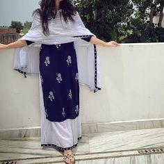Stylish Dresses For Girls, Stylish Girls Photos, Stylish Girl Pic, Cute Girl Poses, Girl Photo Poses, Girl Photography Poses, Punjabi Suit Simple, Simple Pakistani Dresses, Punjabi Suits
