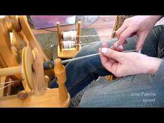 Spinngrundlagen #2 - Verzwirnen mit dem Spinnrad (HD) - YouTube