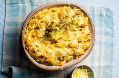 Mash, bacon, leek and cheese pie recipe - goodtoknow