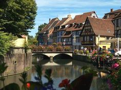 """Résidence Pierre & Vacances """" Le Clos """" à Eguisheim http://bougerenfamille.com/vos-meilleures-vacances-a-la-campagne/"""