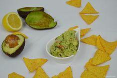 Guacamole s tortilla chipsy