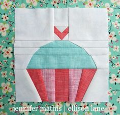 Cute Cupcake Block Pattern | You'll love this super sweet take on paper piecing!
