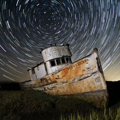 Star trails over The Point Reyes shipwreck in Inverness California. Space Photography, Moon Photography, Artistic Photography, Photography Ideas, How To Photograph Stars, Camera World, Star Trails, Light Painting, Fotografia