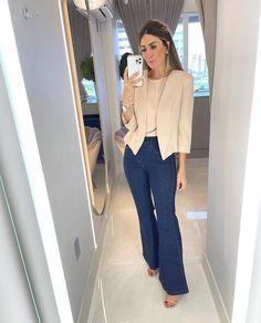 """MY CLOSET ATELIER ᢁ no Instagram: """"clean e clássico • blazer curto • jeans • blazer 269 jeans flare 339 . . . #looks #lookclassico #modanotrabalho #rasteira #luizabarcelos"""""""
