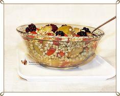 Aceasta Salata de hrisca si fructe este o reteta foarte simpla, rapida si hranitoare de mic dejun/gustare pentru cei mici si nu numai.
