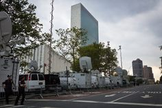 Outside the UN HQ in New York City on 1st Avenue. Lots of media have shown up to stakeout head of state- United Nations Blog   Updates from the social media team