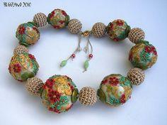 Imagen de http://www.wearableartblog.com/.a/6a00e54fd5676f883401348525ad9e970c-500wi.