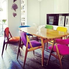 Colorful chairs. Idenya bisa dipakai untuk meeting table di receptionist.