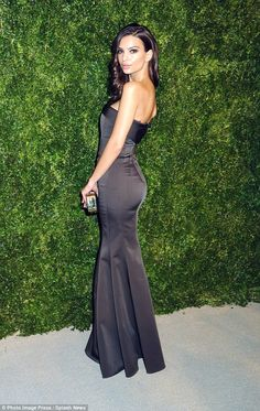 Emily Ratajkowski wows elegant strapless gown at the CFDA Vogue awards #dailymail