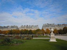 Family apartment rental next to Jardin des Tuileries 75001 Paris 2850€/week up to 11 people!