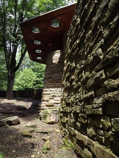Kentuck Knob. Frank Lloyd Wright. Ohiopyle, Pa. 1956. Hexagon module repeated throughout home. Usonian Style.