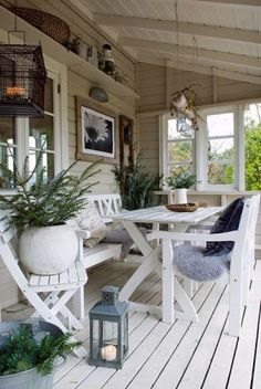 great porch...love t