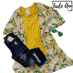 Lemon kimono, yellow crisscross tee, distressed denim and our Blenders sunglasses for the win! Kimono Outfit, Kimono Cardigan, Lemon Print, Blenders, Batwing Sleeve, Distressed Denim, Sunglasses, Yellow, Tees