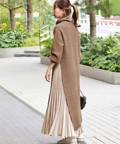ファッション ファッション in 2020 Abaya Fashion, Muslim Fashion, Modest Fashion, Fashion Outfits, Fashion Ideas, Modest Dresses, Modest Outfits, Skirt Outfits, Abaya Mode
