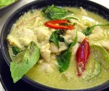 "Green curry is a Central Thai variety of curry. The name ""green"" curry derives from the color of the dish, which comes from green chillies. The ""sweet"" in the Thai name refers to the particular color green itself and not to the taste of the curry. Thai Green Chicken Curry, Thai Green Curry Recipes, Thai Recipes, Chicken Recipes, Cooking Recipes, Green Thai, Thai Cooking, Easy Recipes, Tasty Thai"