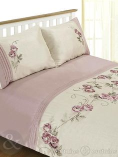 Rosa floral embroidered duvet covers with beautiful floral work on poly-cotton fabric. These floral duvet covers display pleasant prints of pink roses over cream fabric base. Designer Bed Sheets, Luxury Bed Sheets, Luxury Bedding, Duvet Sets, Duvet Cover Sets, Bedroom Sets, Home Decor Bedroom, Folding Fitted Sheets, Bed Cover Design