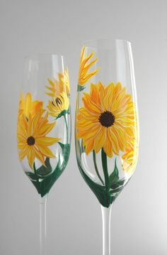 ♦ Yellow Sunflower Champagne Flutes. Set of 2 Toasting Flutes for your Summer Wedding.  These lovely champagne flutes are hand-painted with