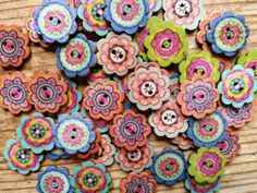 10 Wooden Flower buttons / colorful / Scrapbooking / Flowers / Mixed media / sewing / craft supplies / embellishments / floral by VeneciaArt on Etsy