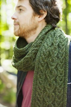 Guilder Gorgeous cable scarf by Jared Flood