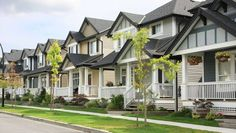 Looking to buy Real Estate in Collingwood? Find the Right Neighbourhood for You Buying A Condo, Home Buying, Fha Mortgage, New Homeowner, Rental Property, Investment Property, Real Estate Investing, Property Management, Management Company
