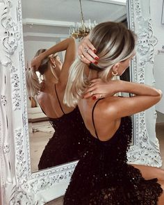 accessories for prom Shea Marie on Instagr - accessories Mode Outfits, Fashion Outfits, Fashion Clothes, Prom Photography Poses, Winter Girl, Hair Inspo, Passion For Fashion, Fashion Beauty, Fashion Women