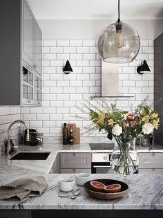 New kitchen interior design ideas Kitchen Tiles, Kitchen Colors, Kitchen Flooring, New Kitchen, Kitchen Modern, Kitchen White, Modern Kitchens, Kitchen Countertops, Marble Countertops