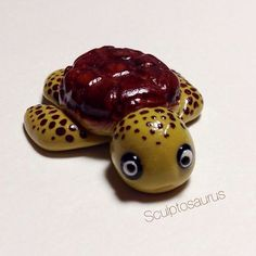 Happy Friday! This is a little sea turtle I made earlier this week for our Under the Sea theme at @kawaiiklaykollab  #kawaiiklaykollab #polymer #clay #polymerclay #turtle #seaturtle #cute #kawaii #diy #handmade #miniature #crafts #craft #charms #sculpey #premo #fimo