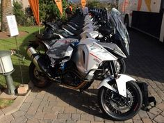 First ride: 2015 KTM 1290 Super Adventure Okay, that's freaking huge. Mind if I borrow it? Super Adventure, Off Road Bikes, Lucky Man, Enjoy The Sunshine, Things That Bounce, Motorbikes