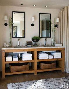 Great vanity, reminds me of my parents' custom made vanity in their bathroom: